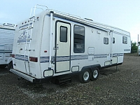 1993 Travel Supreme 32RL Fifth Wheel