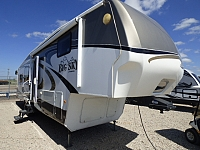 2009 Keystone Montana Big Sky 365REQ Fifth Wheel