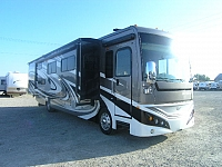 2013 Fleetwood Expedition 38B Diesel Pusher Motor Home
