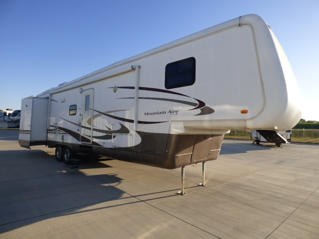 2003 NEWMAR MOUNTAIN AIRE 39SDTS