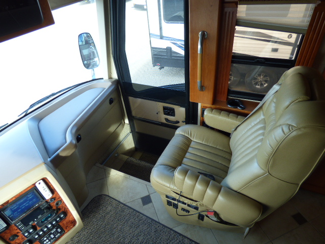 2008 Country Coach Intrigue Jubilee 530 Diesel Pusher