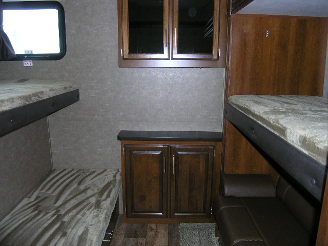 2017 Jayco Eagle 325BHQS Fifth Wheel